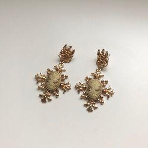 Vantage earring